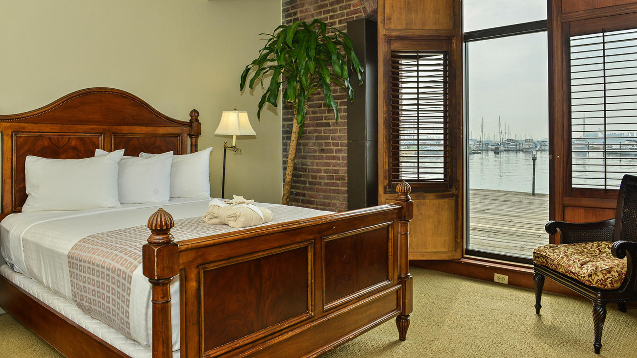Bal Bs Tr Baltimore Best Hotels P1 Innathendersonswharf